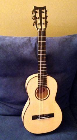 chitarra classica mini